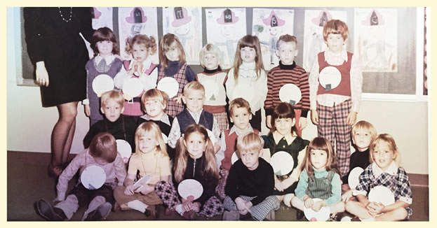 photo of a gradeschool class