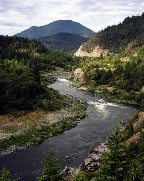 photo of a bend in the Klamath River