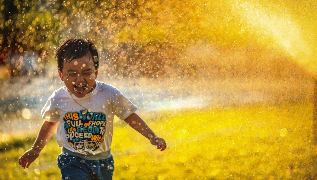 Scientists have found that children who spend more time outside are less likely to develop shortsightedness, which is on the rise globally. photo MI PHAM / Unsplash
