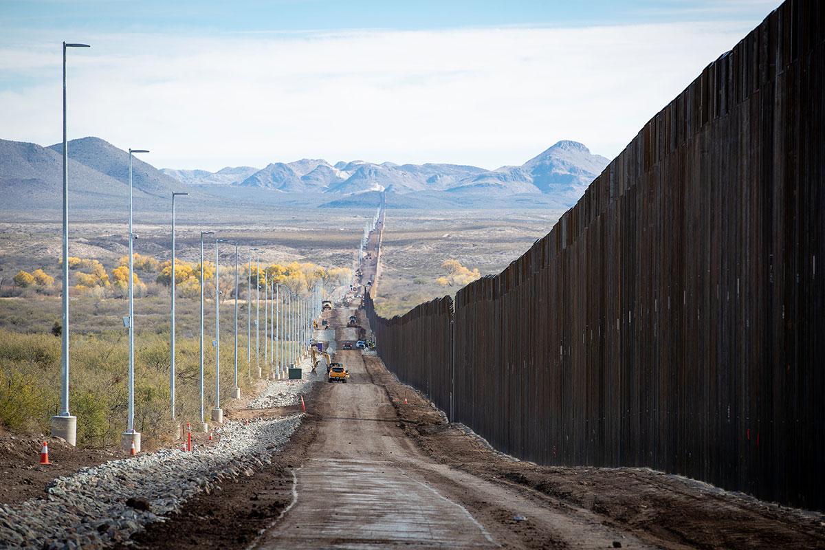 photo of border wall construction