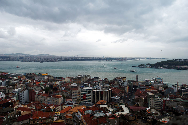 photo of Istanbul and water